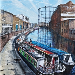 Canal boats by Broadway Market in Summer